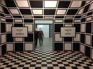 Entree van de tentoonstelling Klimt-Schiele in het Gemeentemuseum Den Haag, foto: JdW