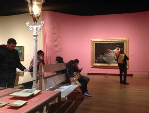 Zaal in Van Gogh Museum Amsterdam, tentoonstelling 'Lichte zeden', foto: JdW